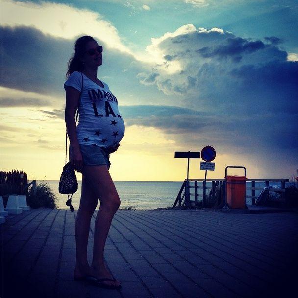 Doutzen Kroes na wybiegu VS 5 miesięcy po porodzie (FOTO)