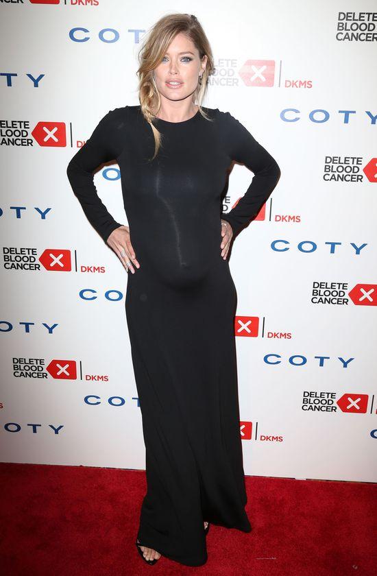 Doutzen Kroes w zaawansowanej ciąży na salonach (FOTO)
