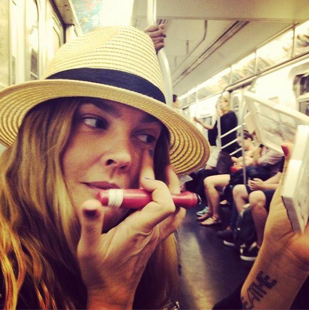 Co powiecie na Drew Barrymore bez makijażu? (FOTO)