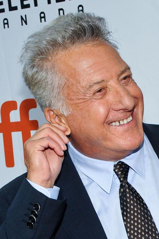 Miała wtedy 17 lat, twierdzi, że Dustin Hoffman łapał ją za pupę i wciąż mówił o