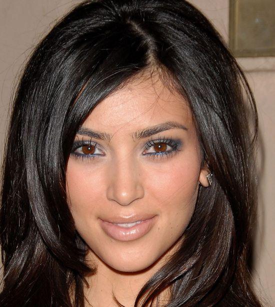Wędrówka ust po twarzy Kim Kardashian