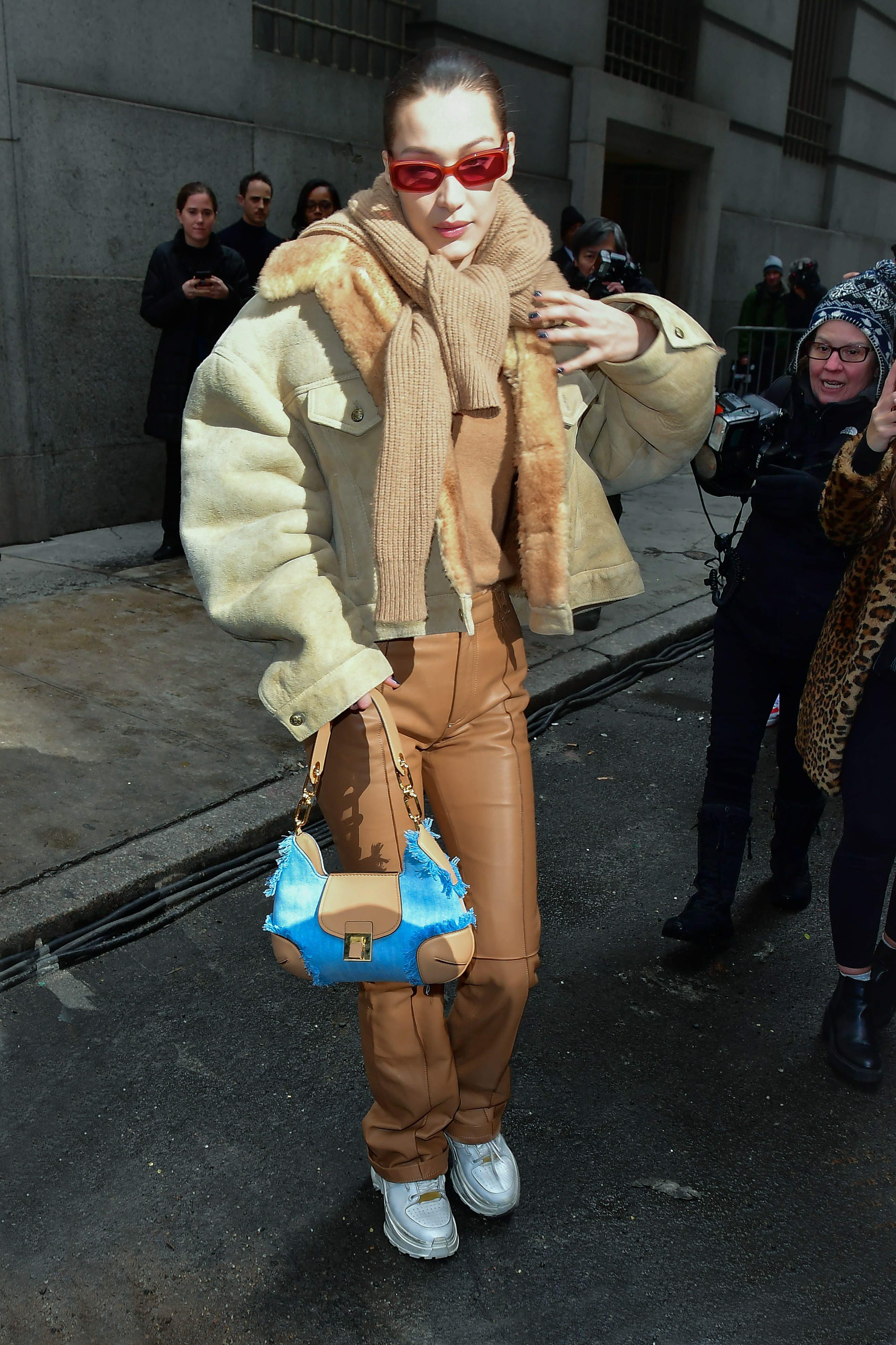 Siostry Hadid znów zaskakują stylizacją. One wiedzą, jak śledzić trendy