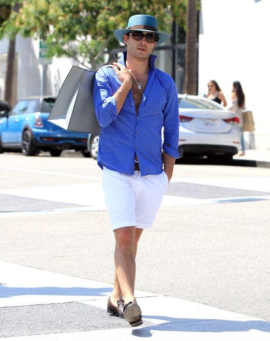 Boski Chuck Bass kroczy ulicami Los Angeles (FOTO)