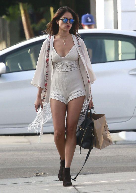 Eiza Gonzalez pokazuje Hemsworthowi, co stracił (FOTO)