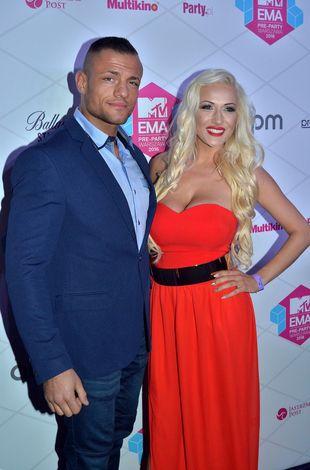 Eliza Wesołowska na gali MTV EMA Pre-party w czerwonej sukni