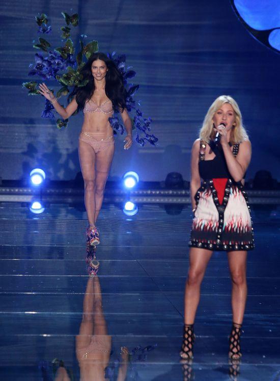Hejterzy zarzucali Ellie Goulding, że jest za gruba na VS!