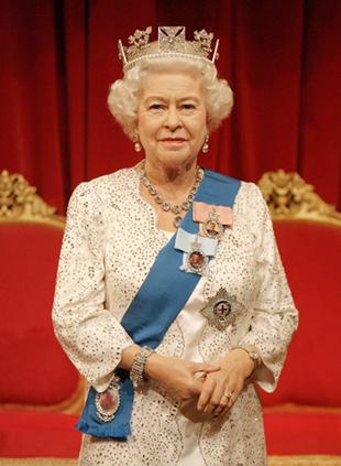 Elżbieta II nosi koronę od 60 lat! (FOTO)