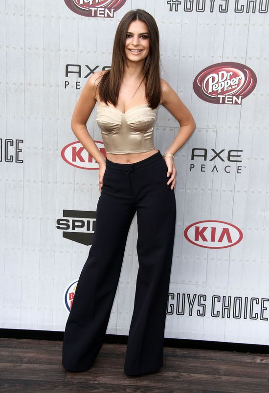 Emily Ratajkowski kontra Jessica Alba (FOTO)