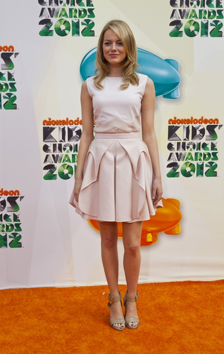 Emma Stone Czerwony dywan Nickelodeon's Kids' Choice Awards (FOTO)