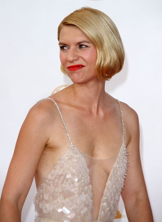 Kto zaświecił takim biustem na Emmy 2013? (FOTO)