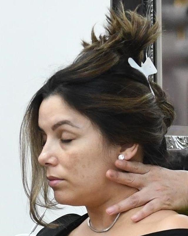 Zmęczona ciążą Eva Longoria BEZ MAKIJAŻU w salonie masażu (ZDJĘCIA)