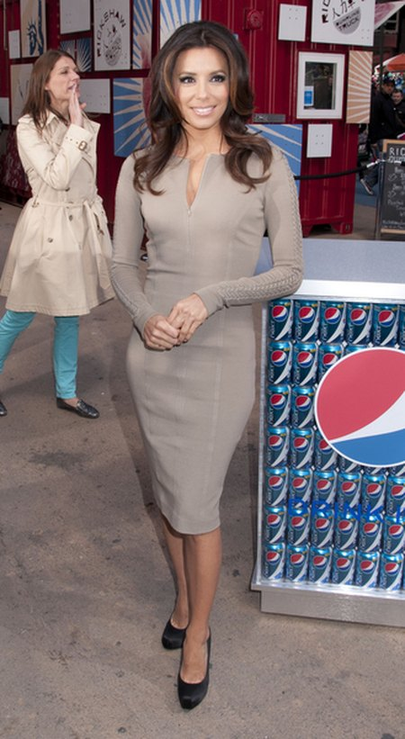 Eva Longoria w nowej kampanii Pepsi (FOTO)