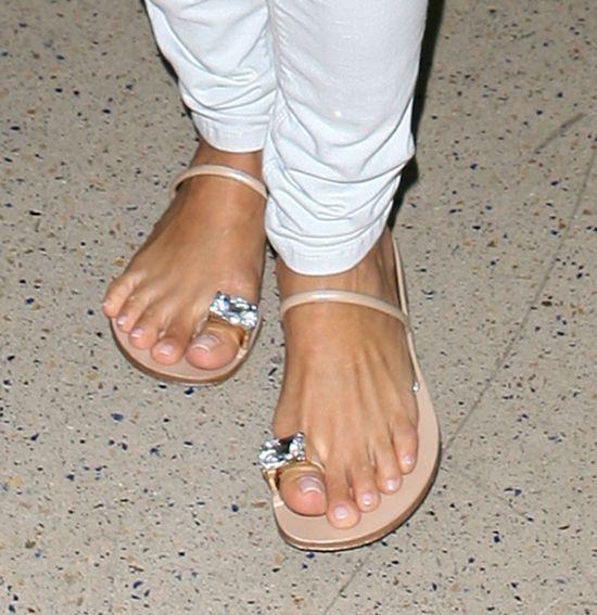 Czyje to stópki? (FOTO)