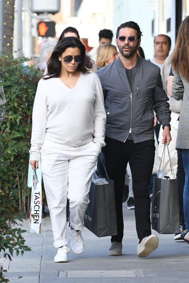Eva Longoria ma juz duży ciążowy brzuszek (ZDJĘCIA)