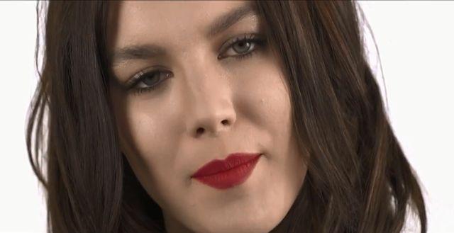 Ewa Farna �piewa po czesku (VIDEO)
