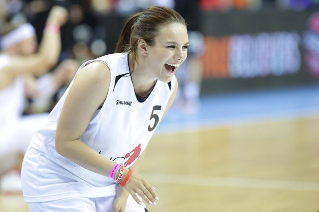Ewa Farna zagrała w meczu Gortat Team - Wojsko Polskie (FOTO)