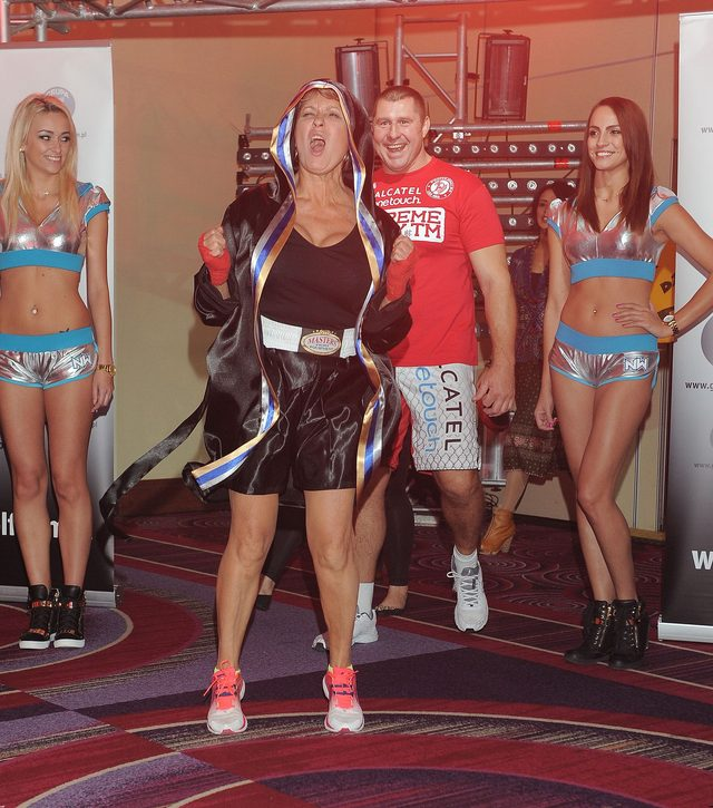 Ale ŁOMOT! Ewa Kasprzyk na ringu z Iwoną Guzowską (FOTO)