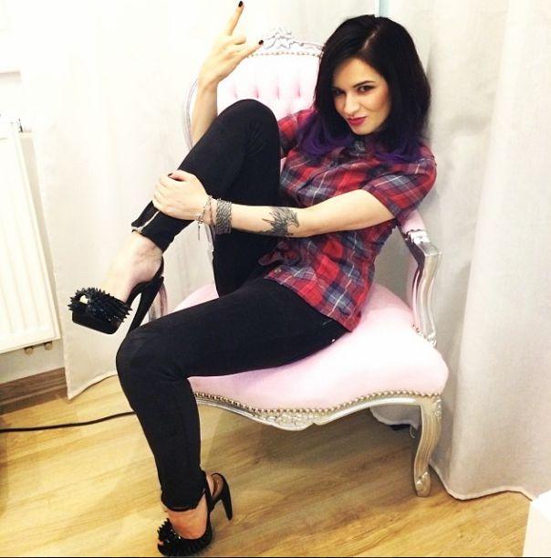 Ewelina Lisowska chwali się zgrabnym ciałem (FOTO)