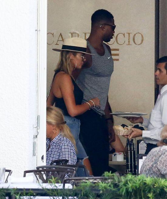 Khloe Kardashian (32 l.) od dawna marzy o jednym - o dziecku. Podobno nie uda�o si� jej zaj�� w ci��� z Lamarem Odomem z powodu problem�w hormonalnych. Z�o�liwi jednak twierdz�, �e problem mia� koszykarz. Dok�adniej - problem z narkotykami.