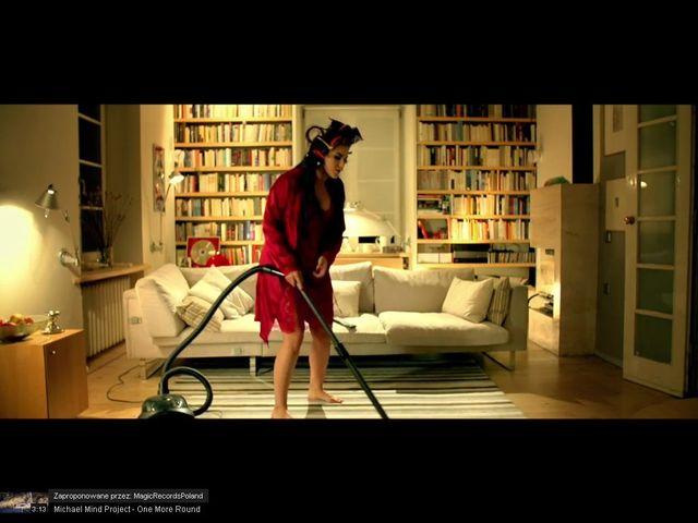Ewa Farna jako seksowna pani domu [VIDEO]