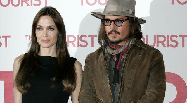 Związek Angeliny Jolie z Johnnym Deppem zaczął się od żartu! Dzisiaj są parą