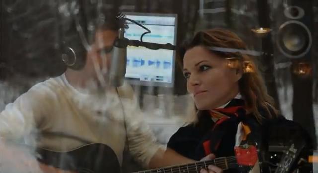 Ilona Felicjańska śpiewa kolędę (VIDEO)