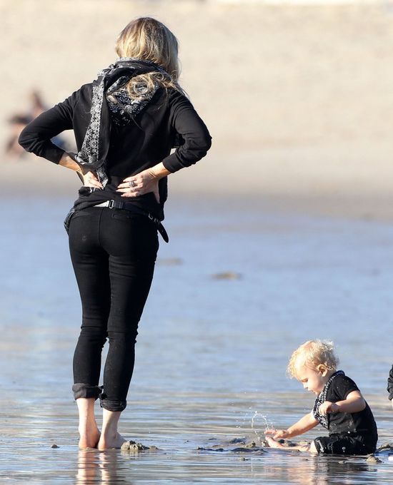 Chudziutka Fergie szaleje się z rodzinką (FOTO)