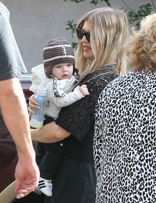 Fergie perfekcyjną mamą? (FOTO) z dzieckiem