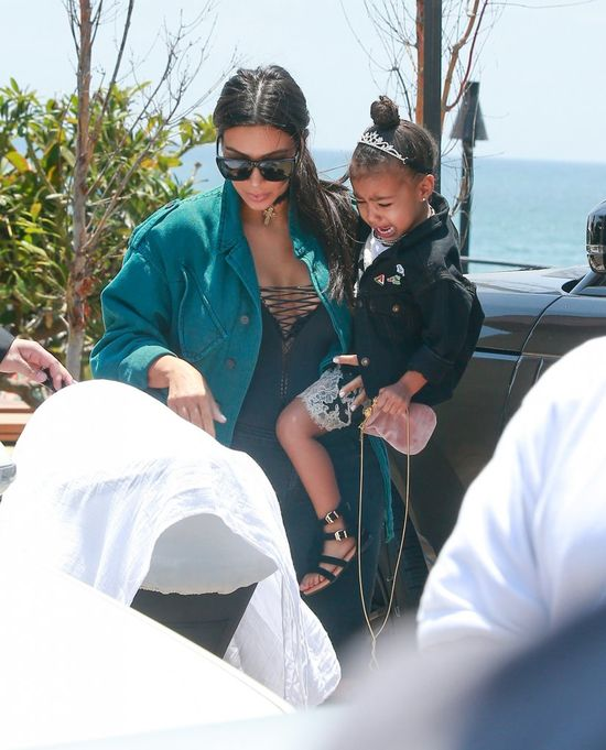 Kim Kardashian pokazuje swoje ciało w