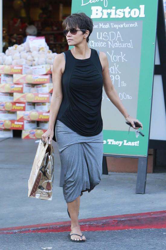 Halle Berry dwa miesiące po porodzie (FOTO)