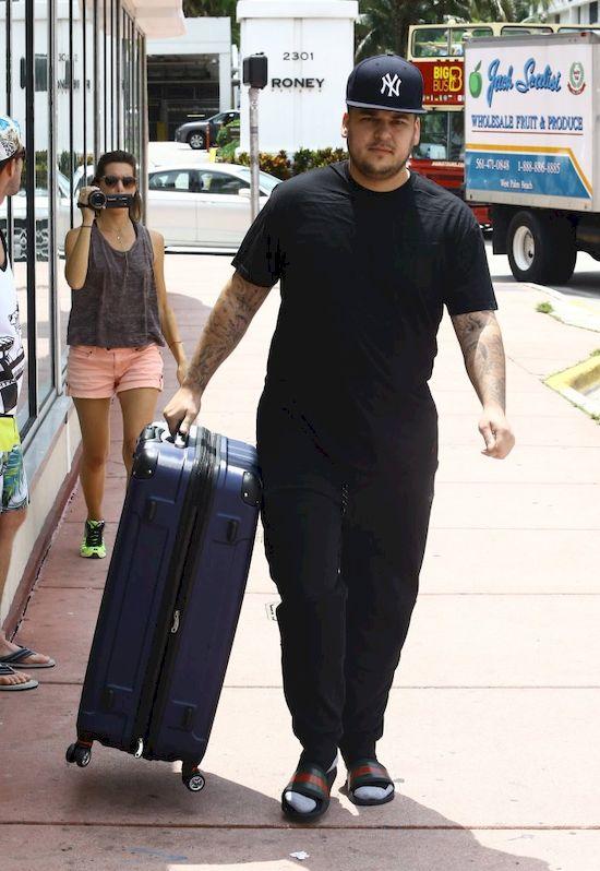Rob Kardashian waży niemal 140 kg?! I to wina... Blac Chyny (VIDEO)