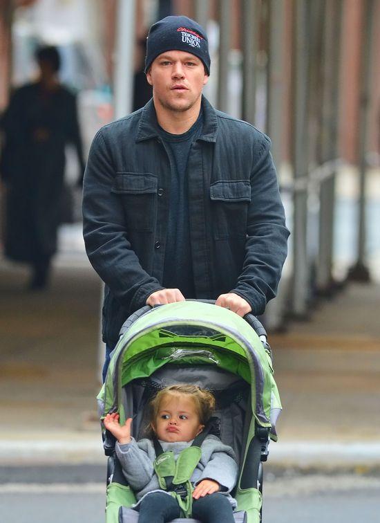 Matt Damon - tatuś na dyżurze (FOTO)
