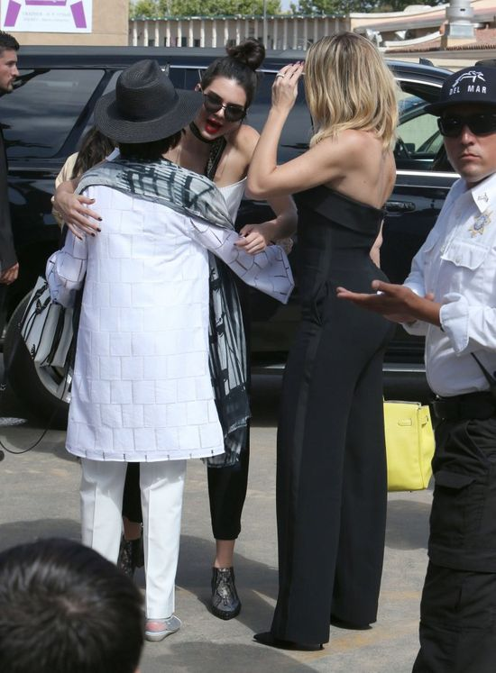 Khloe Kardashian schudła i jest nie do poznania! (FOTO)