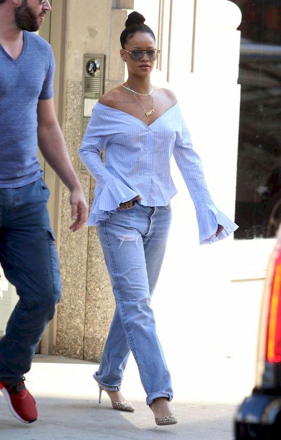 Rihanna odsłania biust na Instagramie! Czy prosi się o bana? (FOTO)