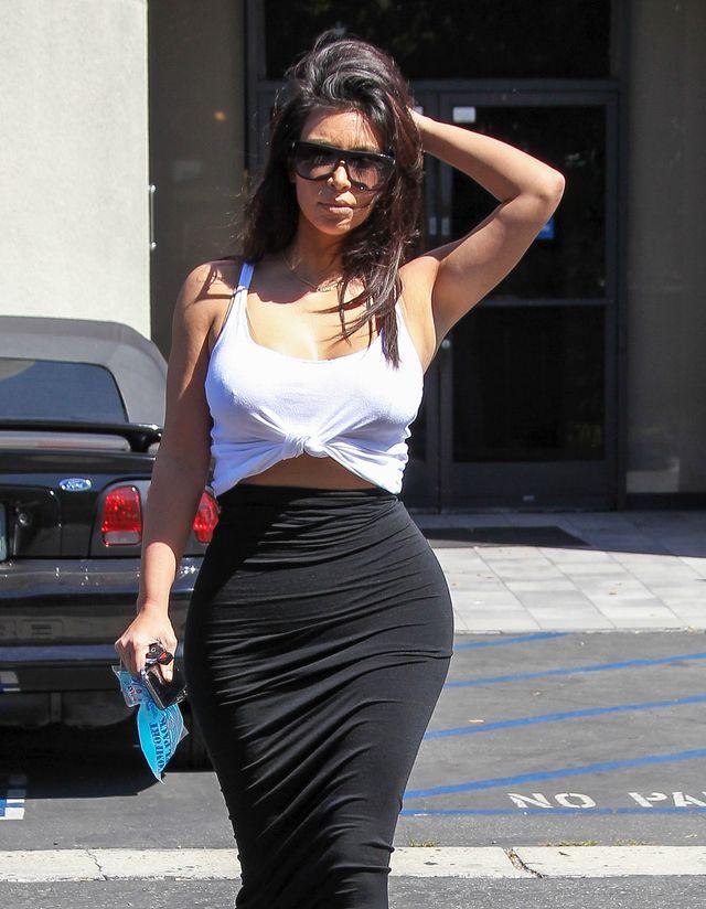 Zanim znów zajdzie w ciążę, Kim świeci brzuszkiem (FOTO)