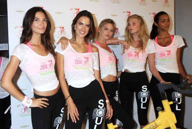 Aniołki Victoria's Secret nie tylko leżą i pachną (FOTO)