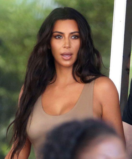 Kim Kardashian jeszcze NIGDY nie wzbudziła takich emocji swojąkreacją