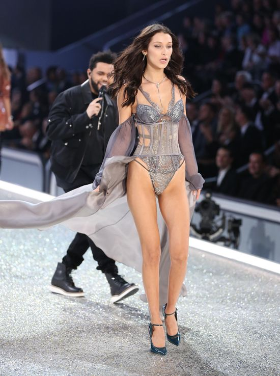 The Weekend zdradzał Bellę Hadid z Seleną Gomez?!
