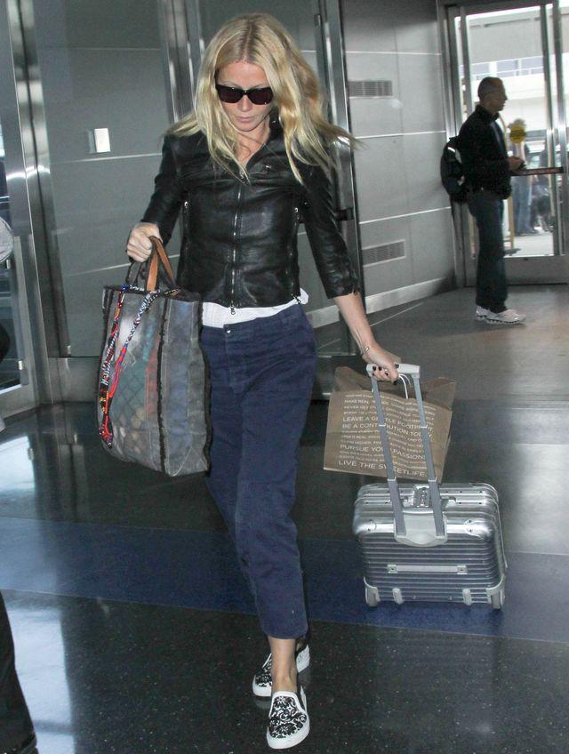 Zobacz, ile Twoich wypłat nosi Paltrow w tej torebce (FOTO)