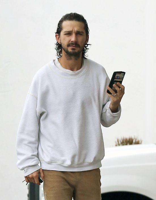 Shia LaBeouf zadzwonił na policję, bo... ZOBACZYŁ Jezusa ...
