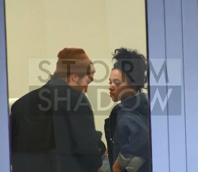 Robert Pattinson zabra� FKA Twigs na zakupy do Pary�a (FOTO)
