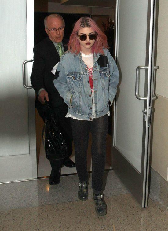 Córka Kurta Cobaina oferuje pomoc Zeldzie Williams