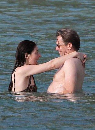 Bestia i piękna, czyli Gary Oldman z żoną (FOTO)