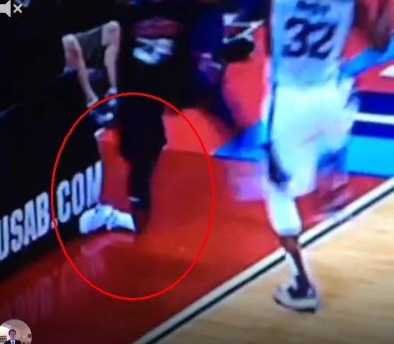 Tragiczna kontuzja gracza NBA! Boli od samego patrzenia!