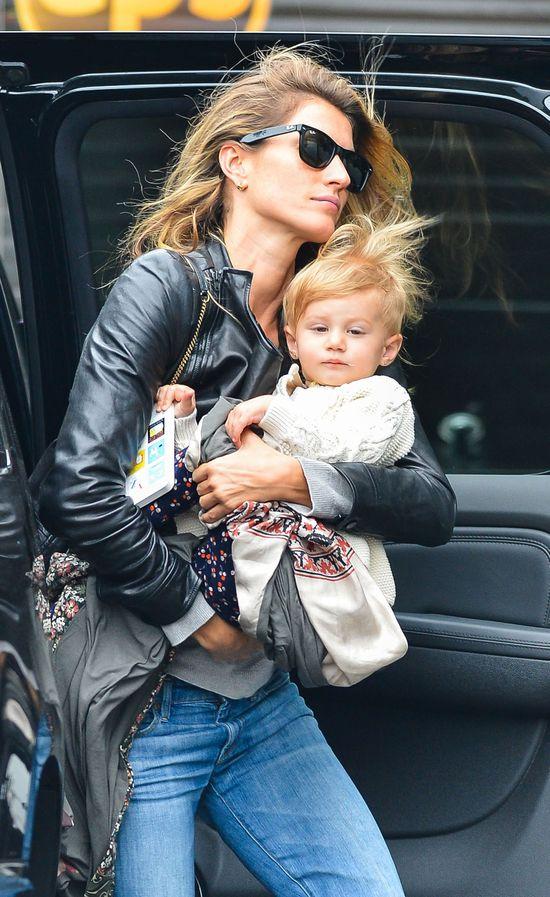 Gisele Bundchen zabrała córeczkę do pracy (FOTO)