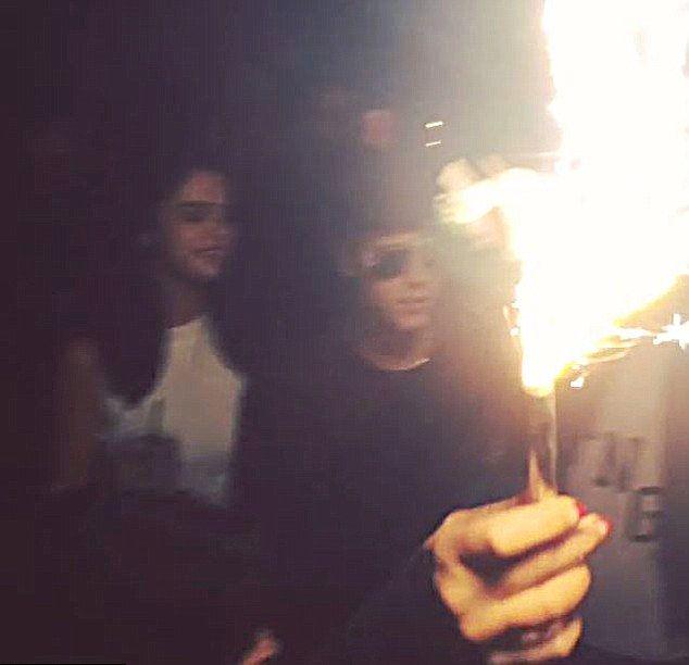 Selena Gomez i Justin Bieber przyłapani na imprezie (FOTO)