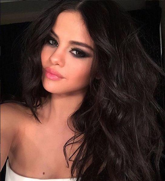 Co powiecie na Selenę Gomez w bikini? (Instagram)