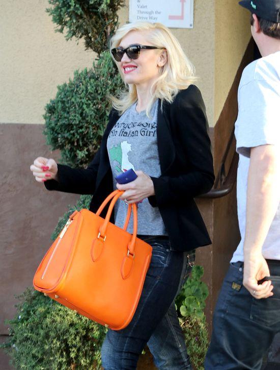Co kryje torebka Gwen Stefani?