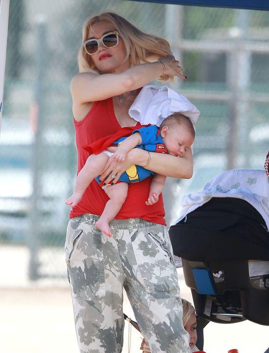 Gwen Stefani przebrała synka za Spidermana (FOTO)