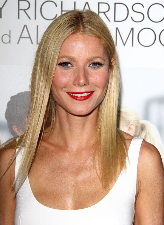 Czym Gwyneth Paltrow rozjaśnia zęby?